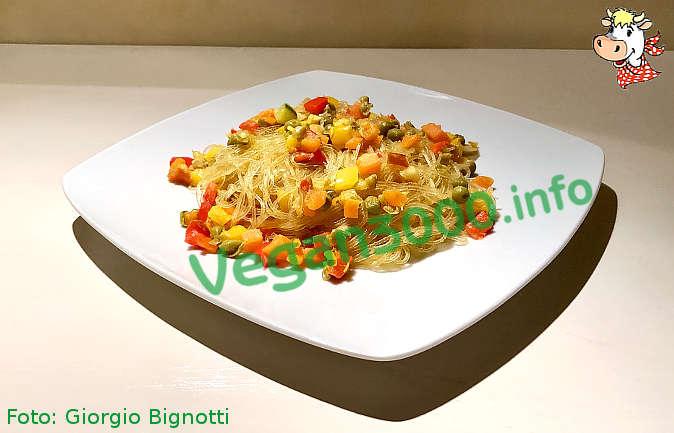 Foto numero 1 della ricetta Spaghetti di soia con verdure