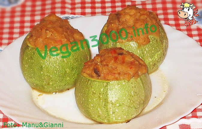 Foto numero 1 della ricetta Zucchine tonde ripiene di tofu e spinaci