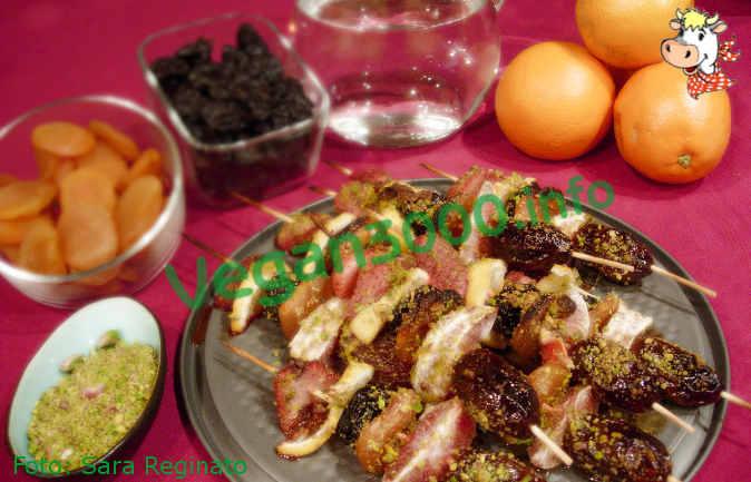 Foto numero 1 della ricetta Caramelized fruit kebabs