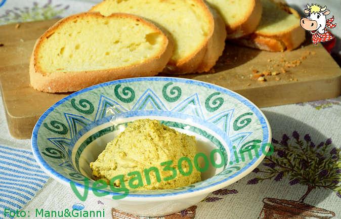 Foto numero 1 della ricetta Pâté di olive verdi e crema di mandorle
