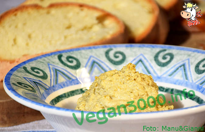 Foto numero 2 della ricetta Pâté di olive verdi e crema di mandorle