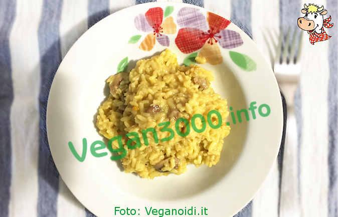 Foto numero 1 della ricetta Risotto with porcini mushrooms and saffron