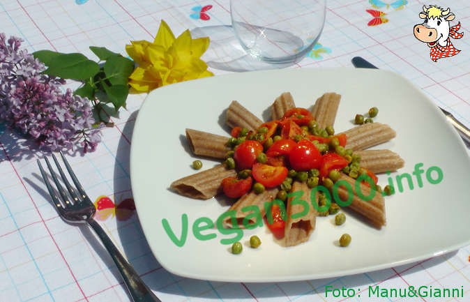 Foto numero 1 della ricetta Spelt pasta with peas and cherry tomatoes