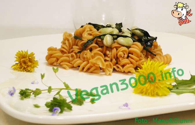 Foto numero 1 della ricetta Fusilli di lenticchie con fave e tarassaco