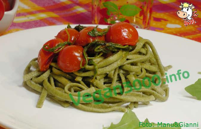 Foto numero 1 della ricetta Wild garlic tagliolini with two colors seasoning