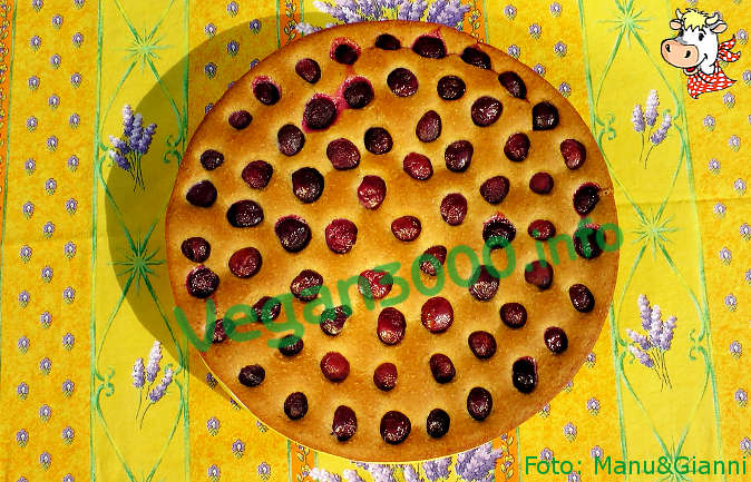 Foto numero 1 della ricetta Clafoutis con ciliegie intere