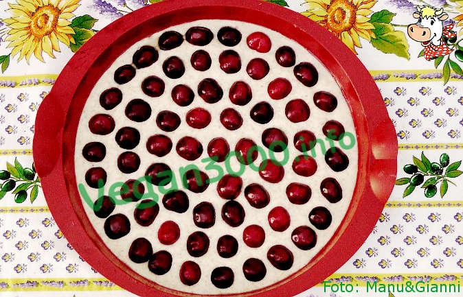 Foto numero 2 della ricetta Clafoutis con ciliegie intere