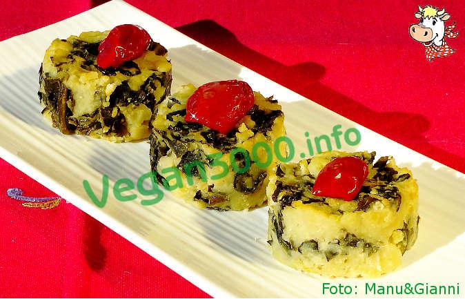 Foto numero 1 della ricetta Sformatini di fave e cavolo nero