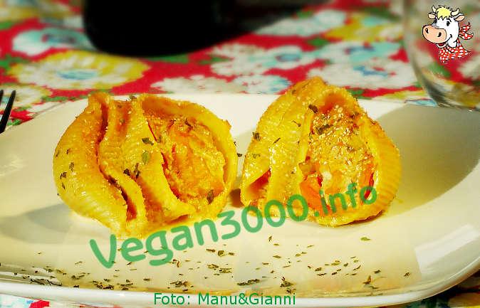 Foto numero 1 della ricetta Conchiglioni with pumpkin, potatoes and leeks