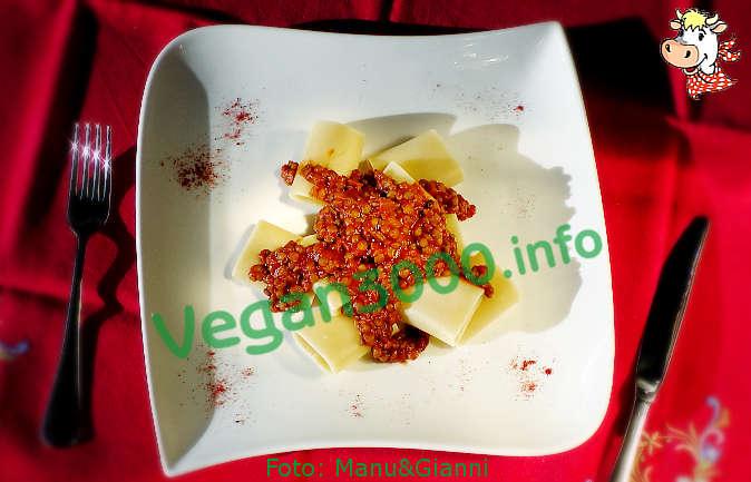 Foto numero 1 della ricetta Paccheri pasta with lentils and tomato sauce
