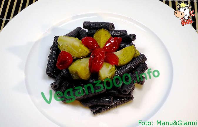 Foto numero 1 della ricetta Pasta di fagioli neri ai due colori