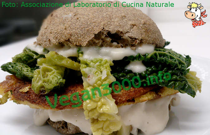 Foto numero 1 della ricetta Burger with chickpea fritter and cannellini cream