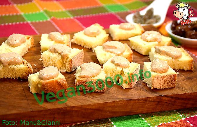Foto numero 1 della ricetta Pâté di tofu, olive e capperi