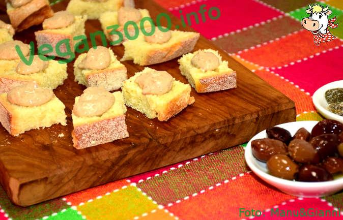 Foto numero 2 della ricetta Pâté di tofu, olive e capperi