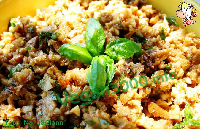 Foto numero 2 della ricetta Antipasto di seitan alle nocciole