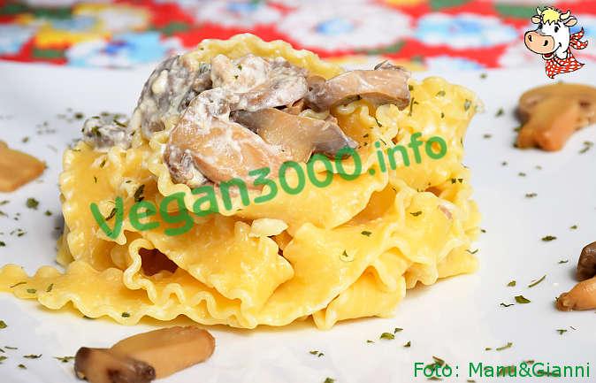 Foto numero 1 della ricetta Mafalde con funghi champignon alla panna