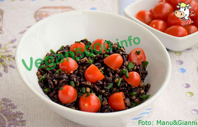 Foto numero 1 della ricetta Venus black rice with lentils and tomatoes