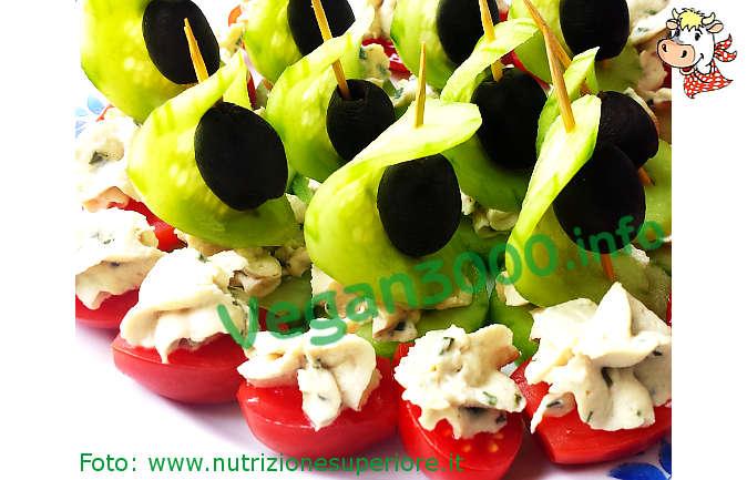 Foto numero 1 della ricetta Vegan cashew cheese with herbs