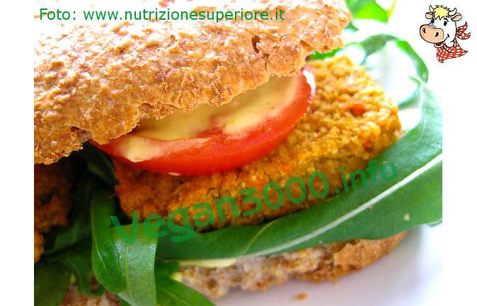 Foto numero 1 della ricetta Burger vegan alle carote e mandorle