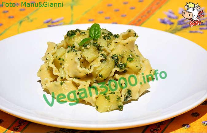 Foto numero 1 della ricetta Mafalde con patate e pesto