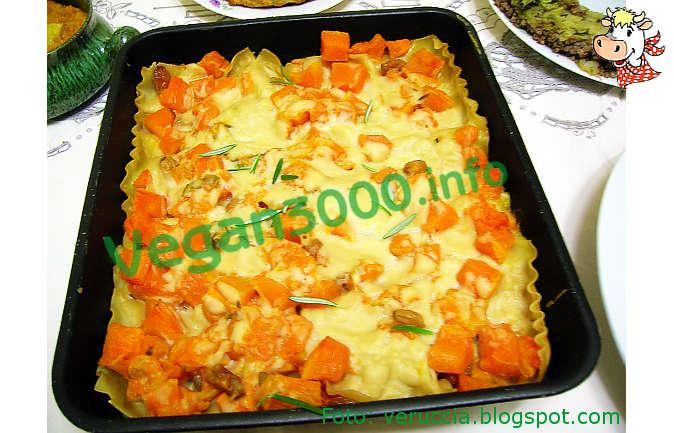 Foto numero 1 della ricetta Lasagna with pumpkin, raisins and rosemary