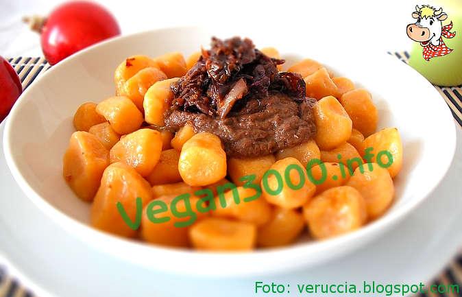 Foto numero 1 della ricetta Gnocchi di zucca con crema di radicchio