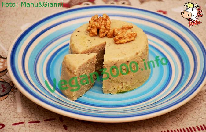 Foto numero 1 della ricetta Formaggio vegan di anacardi con le erbe
