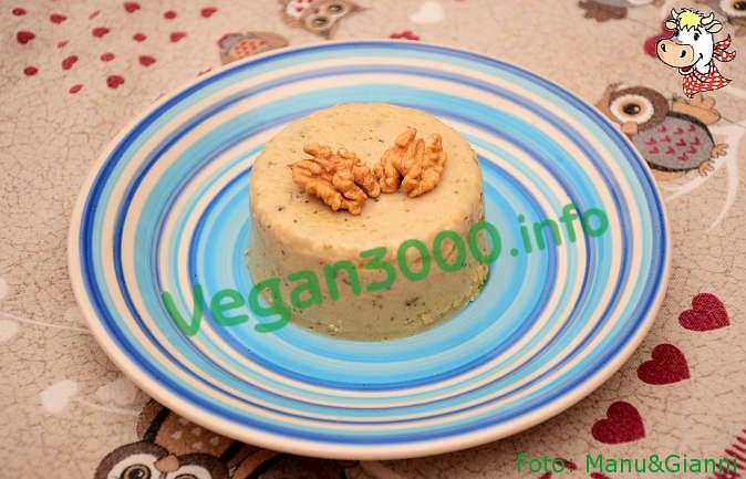 Foto numero 2 della ricetta Formaggio vegan di anacardi con le erbe