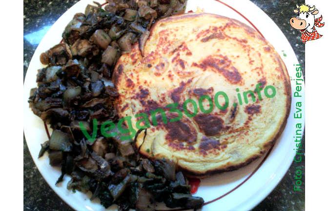 Foto numero 1 della ricetta Omelette vegan con contorno di radicchio