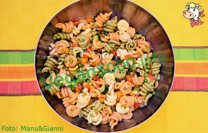 Foto numero 2 della ricetta Insalata di pasta con le verdure