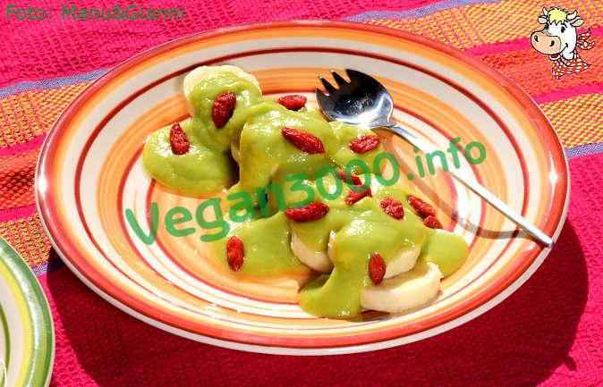 Foto numero 2 della ricetta Dessert with avocado mousse on a bed of bananas