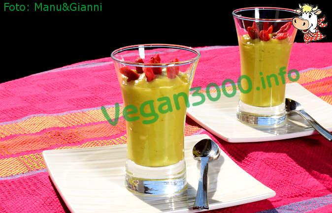 Foto numero 1 della ricetta Mousse di banane e avocado con goji