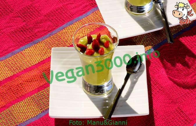 Foto numero 2 della ricetta Mousse di banane e avocado con goji