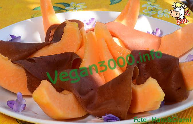 Foto numero 1 della ricetta Melon with sliced vegan ham