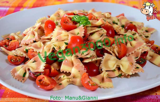 Foto numero 1 della ricetta Pasta fredda alle erbe aromatiche coi pomodorini
