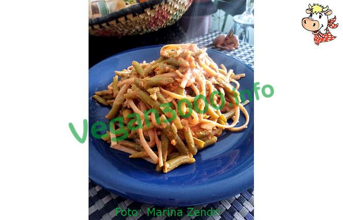 Foto numero 1 della ricetta Spaghetti con pesto di mandorle, tahin e limone
