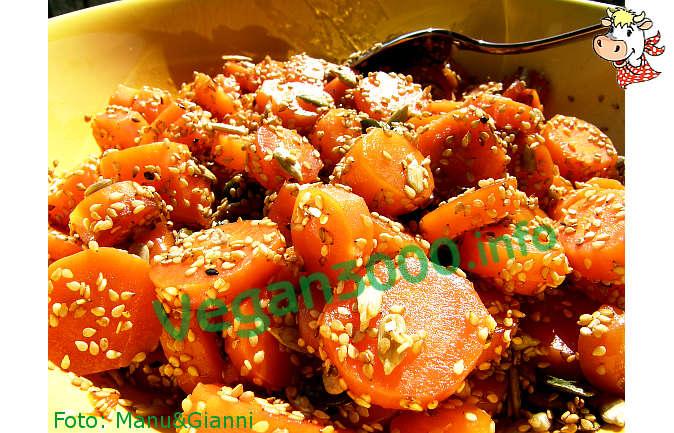 Foto numero 1 della ricetta Carote ai semi di sesamo