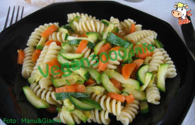 Foto numero 1 della ricetta Fusilli with carrots and zucchini sauteed