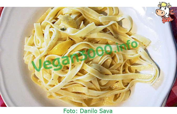 Foto numero 1 della ricetta Linguine with lemon