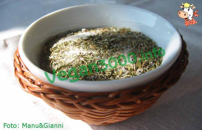 Foto numero 1 della ricetta Sale aromatico