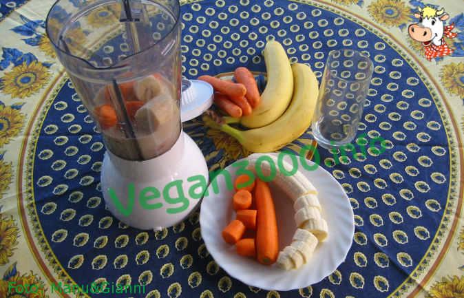 Foto numero 1 della ricetta Carrot and banana smoothie