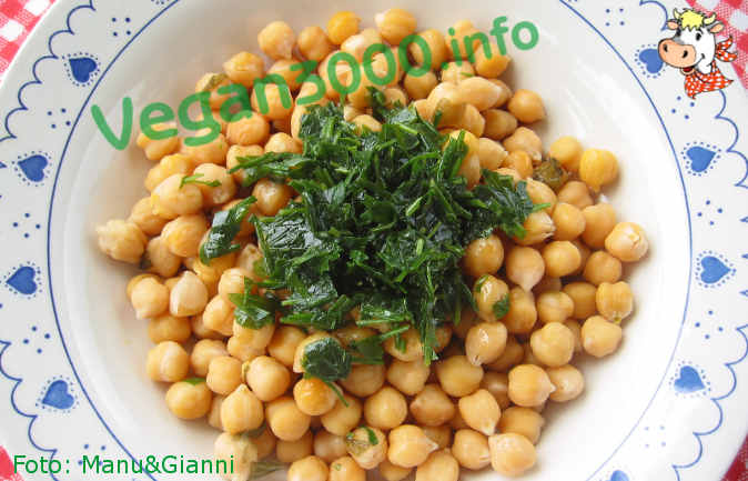 Foto numero 1 della ricetta Chickpeas with parsley and chives