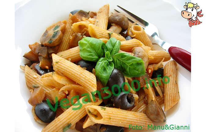 Foto numero 1 della ricetta Pasta alle melanzane e basilico