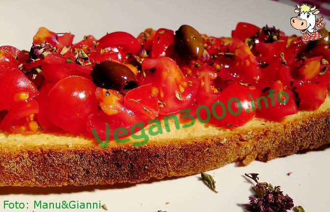 Foto numero 2 della ricetta Bruschette al pomodoro